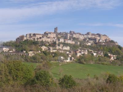 Blick auf Cordes-sur-Ciel