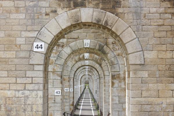 Brücke, Champagne, Chaumont, Eisenbahn, Frankreich, grafisch, verwendet in|Kalender 2010