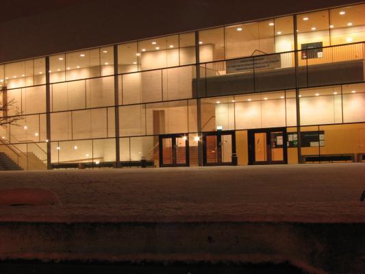 Halle, Universität, Architektur, Nacht, Schnee, Licht