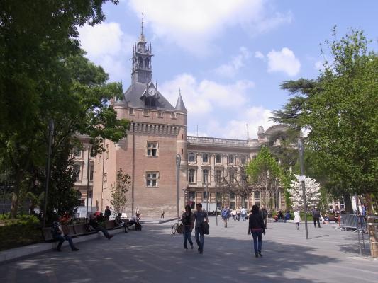 Donjon, Frankreich, Midi-Pyrénées, Rathaus, Toulouse
