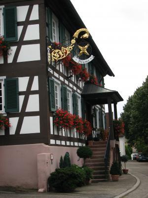Architektur, Gasthaus, mies bzw schlecht, Offenburg, Urlaub