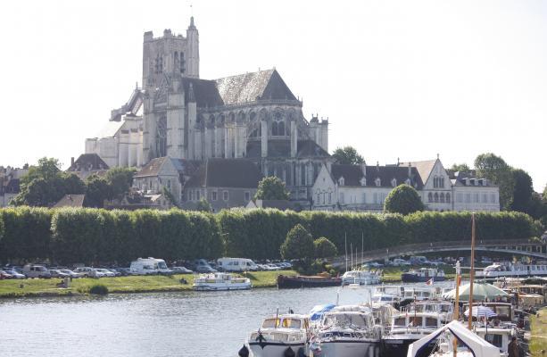 Auxerre, Burgund, Frankreich, Kirche, Yvonne