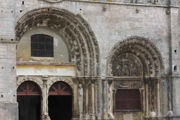 Avallon, Burgund, Frankreich, Kirche, Yvonne