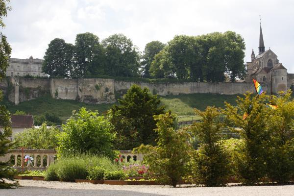Architektur, Burgund, Ferienwohnung, Frankreich, Frühstück, Garten, Grancey-le-Chateau Neuville, Zimmer