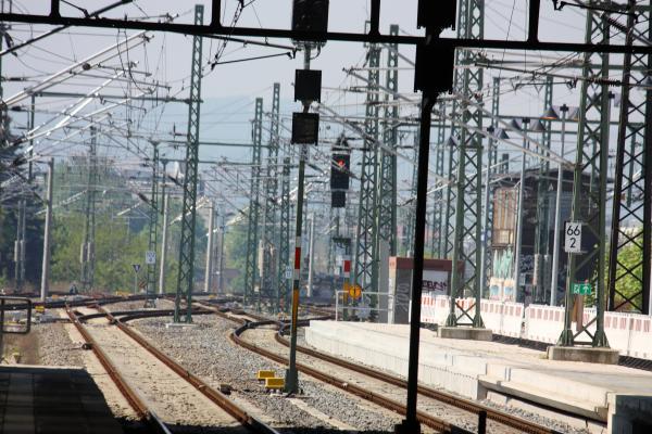 Bahnhof, Eisenbahn, Neustadt, Schienen