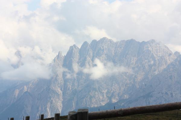 Alpen, Bichl, Deferegger Gebirge, Kontriner Kaser, Landschaft, Lienzer Dolomiten, Pustertaler Höhenstraße, Thulnkogel, Tullenkogel, Tullnkogel, Wolken, Österreich