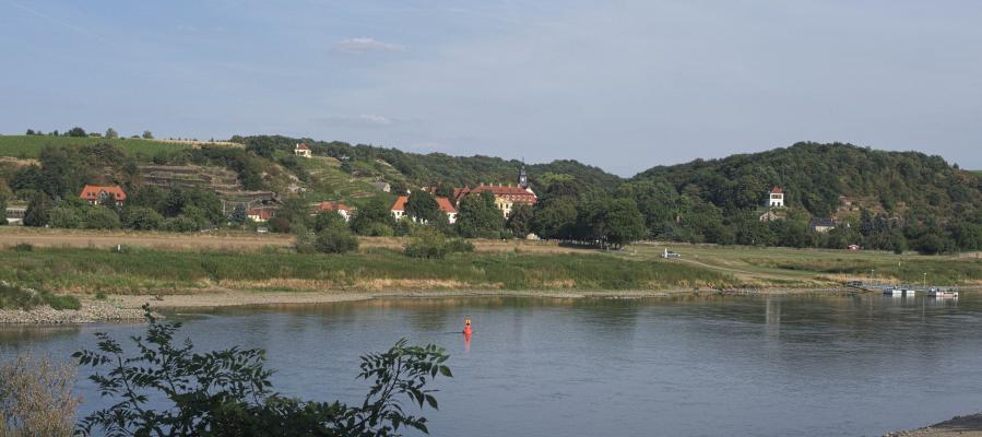 Elbradweg, Schloss