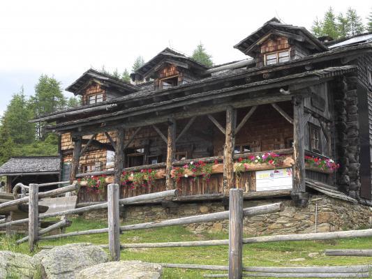 Alpen, Anna Schutzhaus Ederplan, Mitten und Umgebung, Österreich